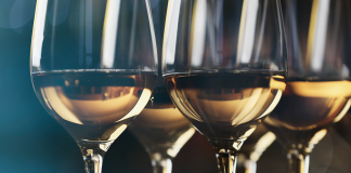 7 Tips to Safely Pack Wine Glasses With Ease