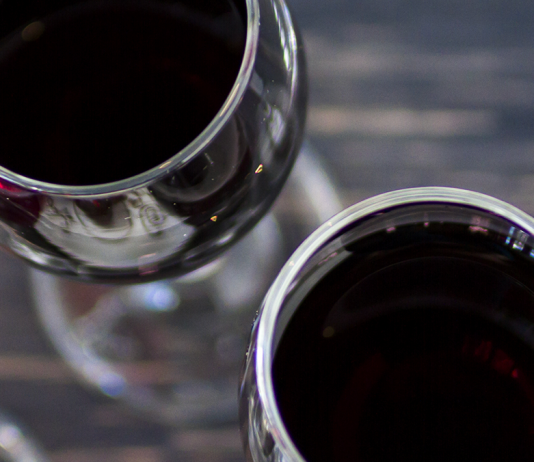 8 Tips to Host a Great Wine Tasting Party