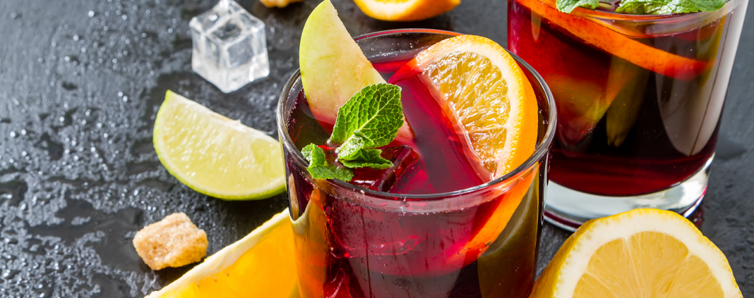 Best Wines to Make Sangria With (Red & White)