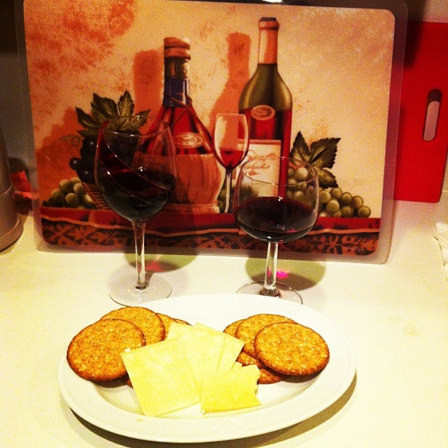 Ultimate Guide to Host Best Wine & Cheese Party